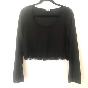 Tobi Extra Small Black Lace Hem Cropped Top